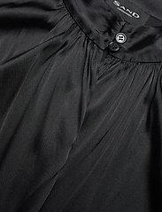 SAND - 3176 - Prosi Top S - blouses à manches courtes - black - 2