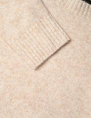 SAND - 5210 - Marta Round Neck - trøjer - beige - 2