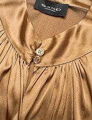 SAND - 3176 - Prosi Top S - blouses met korte mouwen - light camel - 4