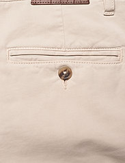 SAND - Cashmere Touch - Dolan Slim - regular jeans - light camel - 4