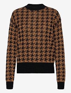 5218 - Aranxa - truien - pattern