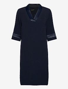 Crepe Satin Back - Ambar - robes midi - medium blue