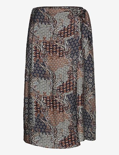 3424 - Wrap Skirt - midinederdele - pattern