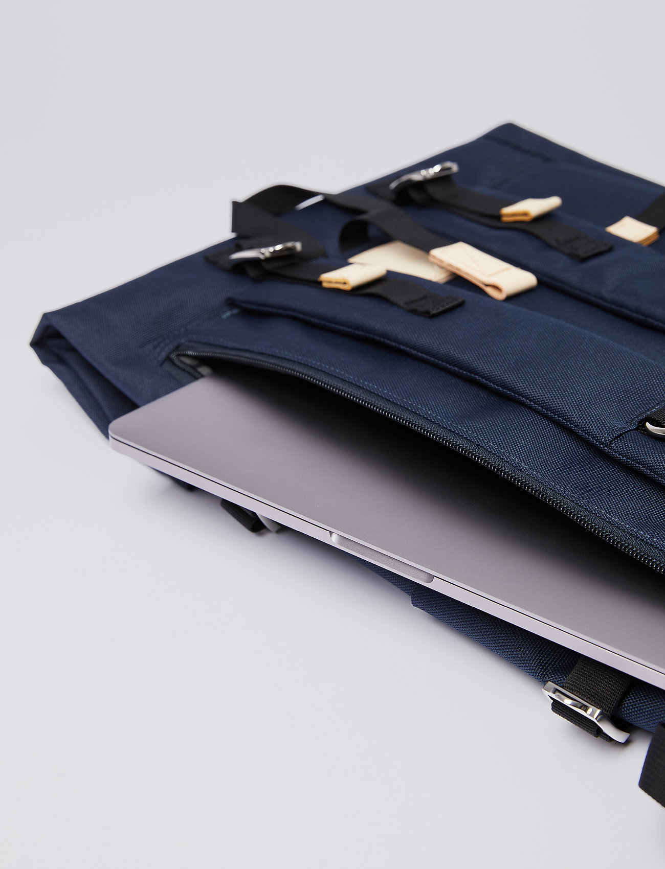 SANDQVIST - BERNT - tassen - navy with natural leather - 8