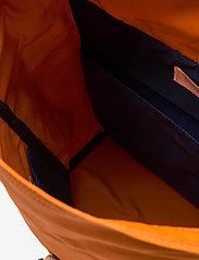 SANDQVIST - DANTE - tassen - burnt orange with natutal leather - 3