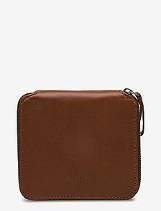 IKA - wallets - cognac brown