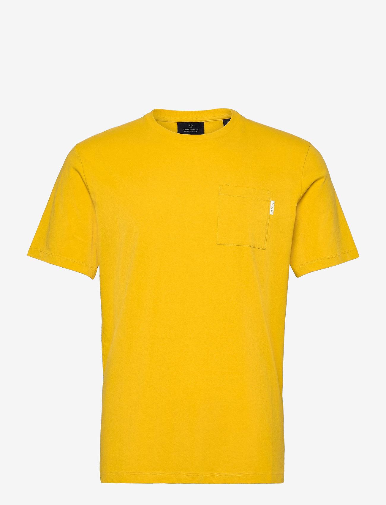 Scotch & Soda - Fabric dyed pocket tee - basic t-shirts - explorer yellow - 0