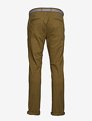 Scotch & Soda - Ams Blauw Stuart chino with belt in stretch peached quality - chinos - military green - 1