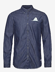 Scotch & Soda - Ams Blauw regular fit denim shirt with pochet pocket detail - peruspaitoja - indigo blue - 0