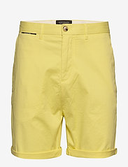 Scotch & Soda - Mid length - Classic chino short in pima cotton quality - chinos shorts - bamboo yellow - 0