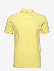 Scotch & Soda - Garment-dyed stretch pique polo - short-sleeved polos - bamboo yellow - 0