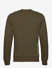 Scotch & Soda - Crewneck with chest embroidery - basic sweatshirts - military green - 1