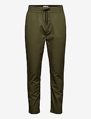 Scotch & Soda - FAVE- Lightweight chino in jogger styling in organic cotton - chino's - army - 0