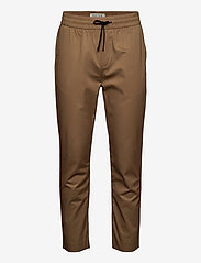 FAVE- Lightweight chino in jogger styling in organic cotton - SAND