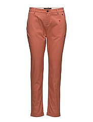 Chino with small embroidery - TERRACOTTA