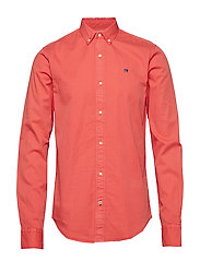 REGULAR FIT- Classic garment dyed shirt - CHILLI PEPPER