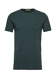 Garment-dyed crewneck tee with chestpocket - AMALFI GREEN