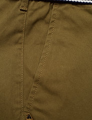 Scotch & Soda - Ams Blauw Stuart chino with belt in stretch peached quality - chinos - military green - 3
