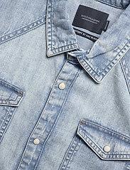 Scotch & Soda - Ams Blauw short sleeve denim western shirt with seasonal was - denimskjorter - bleached indigo - 2