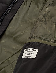 Scotch & Soda - Classic hooded PrimaLoft jacket - vestes matelassées - black - 6