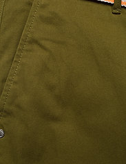 Scotch & Soda - Ams Blauw stretch Stuart chino with belt - chinos - military green - 2