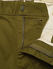Scotch & Soda - Ams Blauw stretch Stuart chino with belt - chinos - military green - 3