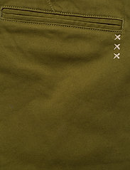 Scotch & Soda - Ams Blauw stretch Stuart chino with belt - chinos - military green - 4