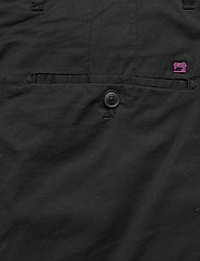 Scotch & Soda - Mid length - Classic chino short in pima cotton quality - chinos shorts - black - 4