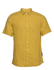 REGULAR FIT- Shortsleeve garment -dyed linen shirt - SAFFRON