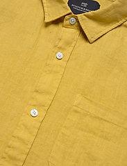 Scotch & Soda - REGULAR FIT- Shortsleeve garment -dyed linen shirt - basic shirts - saffron - 2