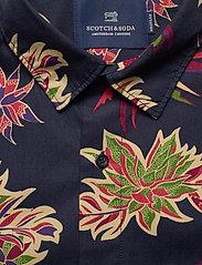 Scotch & Soda - REGULAR FIT- All-over printed shortsleeve shirt - kortærmede skjorter - combo h - 2