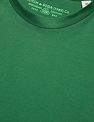 Scotch & Soda - Classic crewneck tee in organic cotton jersey - basic t-shirts - fern - 2