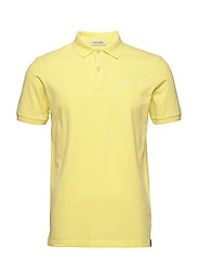 Garment-dyed stretch pique polo - BAMBOO YELLOW
