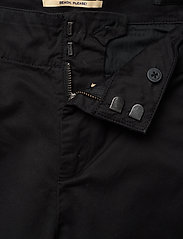 Scotch & Soda - Regular fit chino, sold with a belt - chinos - black - 3