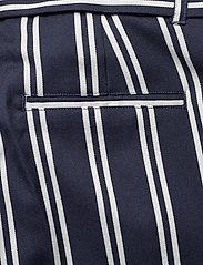 Scotch & Soda - Longer length tailored shorts - bermuda-shortsit - combo r - 4