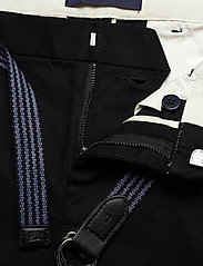 Scotch & Soda - Stuart peached twill chino with give away belt - chinos - black - 3