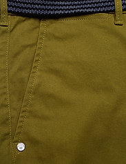 Scotch & Soda - Stuart peached twill chino with give away belt - chinos - military green - 2