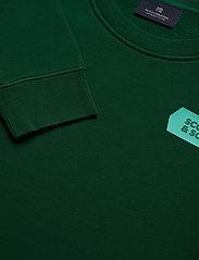 Scotch & Soda - Crewneck sweat with subtle chest artworks - basic sweatshirts - jungle green - 2