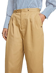Scotch & Soda - Clean twill chino with detachable pleated belt - chinos - sand - 6