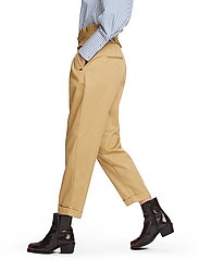 Scotch & Soda - Clean twill chino with detachable pleated belt - chinos - sand - 8