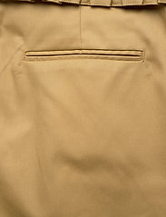 Scotch & Soda - Clean twill chino with detachable pleated belt - chinos - sand - 11