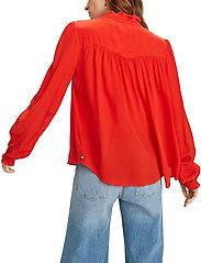 Scotch & Soda - Feminine shirt with pleated detailing - chemises à manches longues - orange shell - 3