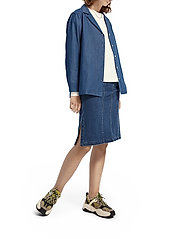 Scotch & Soda - Ams Blauw chic denim shirt with island collar - chemises en jeans - indigo - 5
