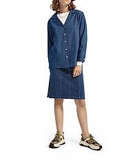 Scotch & Soda - Ams Blauw chic denim shirt with island collar - chemises en jeans - indigo - 6