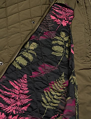 Scotch & Soda - Classic short quilted jacket - quilted jackets - military - 5