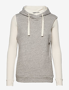 Club Nomade sleeveless hoodie with l/s underneath - GREY MELANGE
