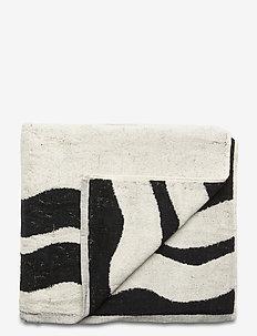 'Poolside' capsule beach towel - COMBO A