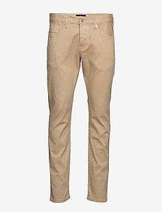 Ralston - Clean garment dyed colors - SAND