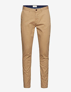 Stuart - Classic regular slim fit chino - chino's - sand