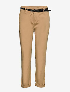 Regular fit chino, sold with a belt - SAND